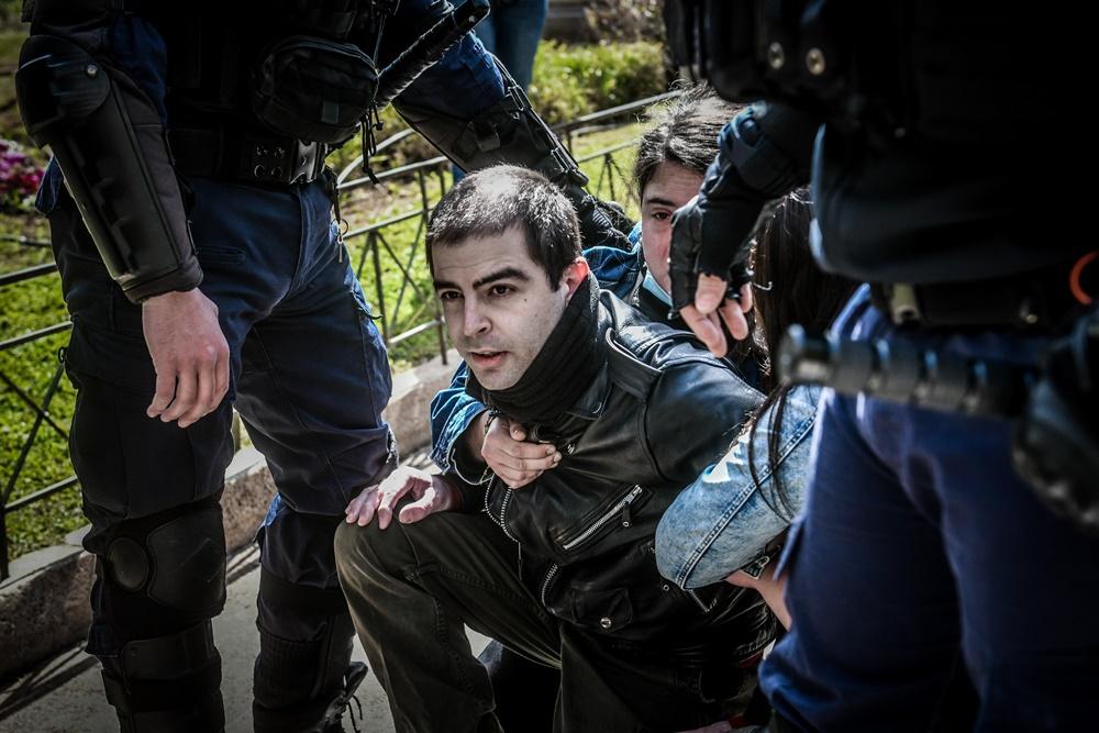 συγκέντρωση διαμαρτυρίας και αλληλεγγύης στον απεργό πείνας Δημήτρη Κουφοντίνα