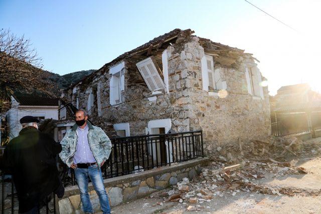Κατεστραμμένο σπίτι μετά από σεισμό